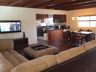 Downtown Huntington Beach 3 Bedroom Upstairs Unit - Huntington Beach vacation rentals