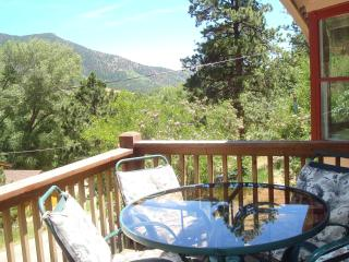 ROCKY MOUNTAIN RETREAT: MT VIEW PIKE NAT'L FOREST - Cripple Creek vacation rentals