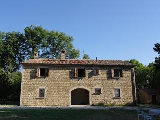 Agriturismo Casale Canneto - Frontone vacation rentals