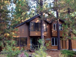 Cozy Cabin Among Towering Ponderosas. - La Pine vacation rentals