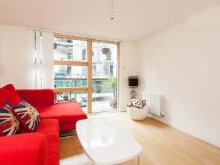 Stylish 1 Bedroom in London Apartment in Hackne - London vacation rentals