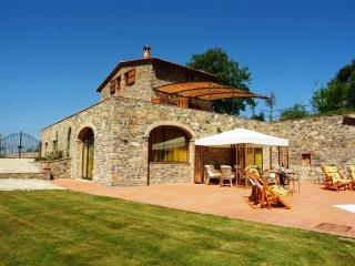 Chianti Farmhouse with a Private Pool - Casale Gaiole - Radda in Chianti vacation rentals