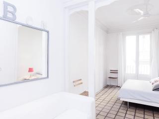 Be Barcelona Las Ramblas high class - Barcelona vacation rentals
