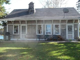 Lamb Cove Cottage(3 seasons, May - October) - Eastport vacation rentals