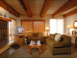 Plaza at Woodcreek Condominium - Lovely Decor and Finishes Throughout (1123) - Crested Butte vacation rentals