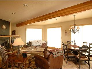 Elegant Slopeside Living - Recently Renovated Complex (1153) - Crested Butte vacation rentals
