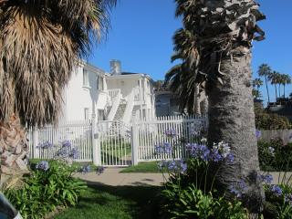 Chic Apartment Steps to Beach Like Boutique Hotel! - Pacific Beach vacation rentals
