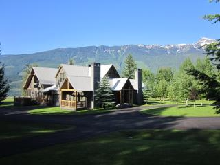 Secluded Mountain Estate on acreage near ski hill - Kootenay Rockies vacation rentals