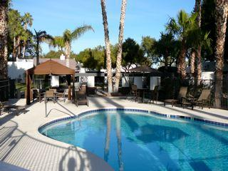 Pool Area with Seating and Lounge Chairs - Furnished 2B Condo in McCormick Ranch, Scottsdale - Scottsdale - rentals