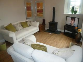 LITTLE BROOK COTTAGE, Bowness on Windermere - Bowness & Windermere vacation rentals