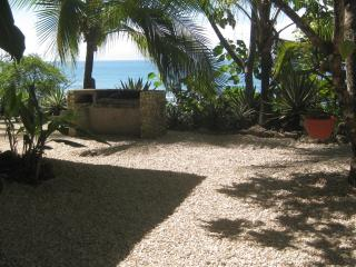 Exotic Beach Front House - Casa Corteza - Santa Teresa vacation rentals