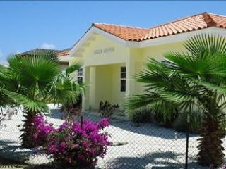 3bedroom villa,close to Palm beach and golfcourse! - Noord vacation rentals