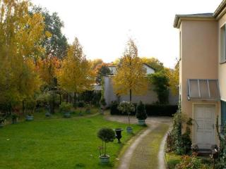 Vacation Apartment in Potsdam - 861 sqft, Ideal, idyllic, central, quiet location (# 3056) - Potsdam vacation rentals