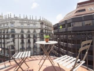 Barcelona 226 Center Exclusive 1 - Image 1 - Barcelona - rentals