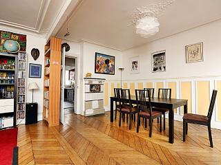 Large, Fully Equipped Family Paris Apartment - 10th Arrondissement Enclos-St-Laurent vacation rentals