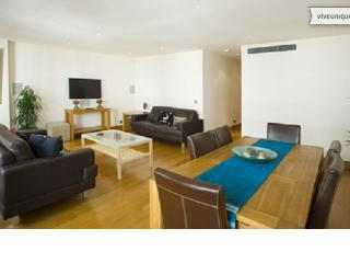 Prestigious 2 Bedroom in London at Piccadilly - London vacation rentals