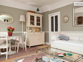 Lysia Street, 3 bedroom in Fulham - Dorking vacation rentals