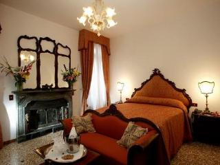 Gothic-Venetian dodge's wife Palace, Venice Center - Veneto - Venice vacation rentals
