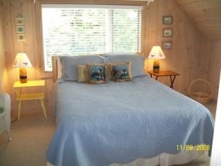 Edgewater waterfront 2 bedrooms 2 baths BarHarbor - DownEast and Acadia Maine vacation rentals