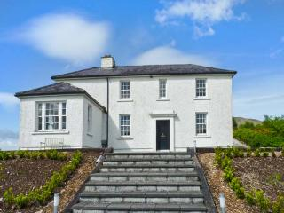 LOO BRIDGE RAILWAY STATION detached cottage, close to National Park in Killarney Ref 17893 - Killarney vacation rentals