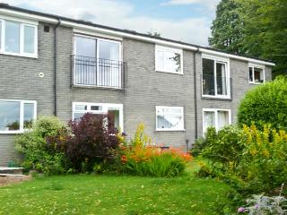 BAYTREE APARTMENT, lovely views, scenic walks, with off road parking and a garden, in Grange-over-Sands, Ref 18913 - Cumbria vacation rentals