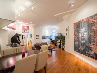 Soho Art Gallery Massive Luxurious 2 Bedroom Loft - New York City vacation rentals
