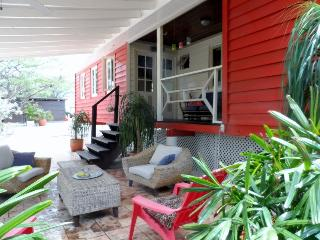 Tropical CHALET, comfort, central & private. - Paradera vacation rentals