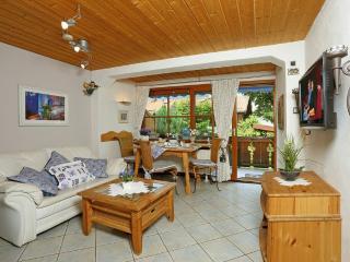 LLAG Luxury Vacation Apartment in Oberammergau - 592 sqft, quiet, sunny, modern (# 3097) - Mittenwald vacation rentals