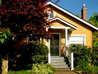 Charming 2 Bedroom Cottage near Mt. Tabor - Portland Metro vacation rentals
