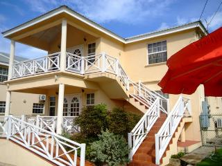 Reputable 3 Bedroom Apartment Prospect St.James - Saint James vacation rentals