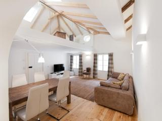 Deluxe Country Apartment in Old Town of Salzburg - Sankt Gilgen vacation rentals