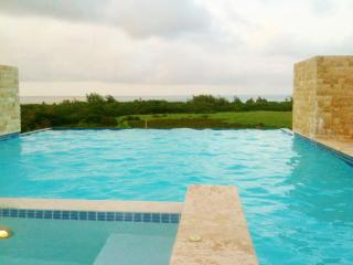 Casa Valeriana:A Relaxing Sanctuary in Luquillo - El Yunque National Forest Area vacation rentals