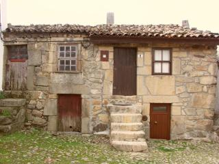 Casas Folgosinho - House 1 Bedroom - Gouveia vacation rentals