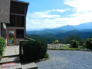 Perfect View, Quiet, Comfortable, Romantic - Gatlinburg vacation rentals