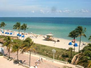 Oceanfront Studio,heated Pool,WiFi+steps f/ beach! - Hollywood vacation rentals