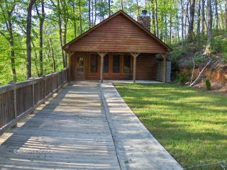 log cabin, canoeing, fishing, hunting, hiking - Heflin vacation rentals