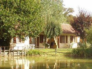 Le Mas du Ponteil gite in Dordogne pool + fishing - Sarlat-la-Canéda vacation rentals