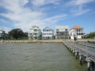Beautiful Bay Front Home next to Kemah Boardwalk - Seabrook vacation rentals