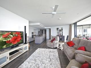 Mon Komo - Redcliffe vacation rentals