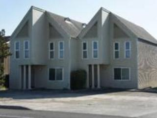 2 condos side by side sleep up to 16 total - Beach Loop Condos - Bandon - rentals