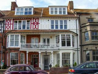 BIRCH HOUSE, large property, en-suites, open fire, near beach in Cromer, Ref 18650 - Cromer vacation rentals