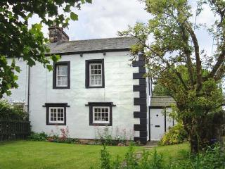 ORCHARD COTTAGE, 400 year old cottage, with woodburner, garden, pet welcome, in Bolton, Appleby, Ref 19688 - Ousby vacation rentals