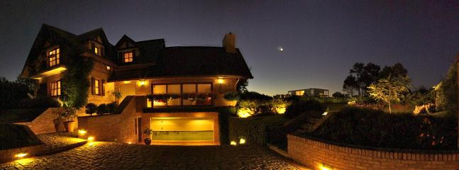 External night - Villa Beatrice, Amazing in Punta del Este. - Punta del Este - rentals