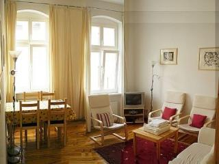 Vacation Apartment in Berlin - 538 sqft, central, quiet, classical (# 3186) - Berlin vacation rentals