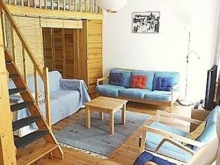 Vacation Apartment in Berlin - 560 sqft, central, quiet, classical (# 3188) - Germany vacation rentals