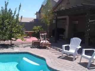 Escape Winter in AZ -4 bdm+HEATED POOL $600/wk - Florence vacation rentals