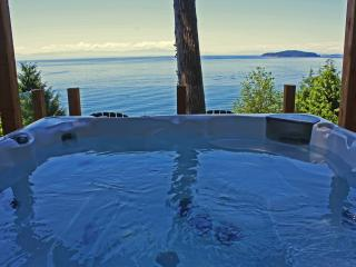 Beachside Waterfront Suites, Ocean View Hot Tub! - Sechelt vacation rentals