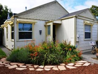 Sweet Home Stay Pet-Friendly 2 BD Near Plaza & HSU - Eureka vacation rentals
