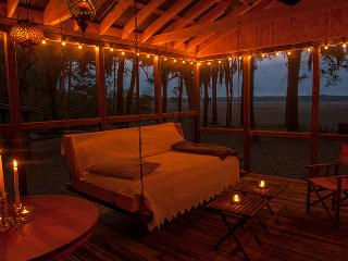 Romantic Creekfront Cabin- St Helena Island - South Carolina Island Area vacation rentals