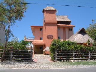 Casa Mimosa - Beachfront Vacation Home sleeps 16-Casa Mimosa - Isla Mujeres - rentals